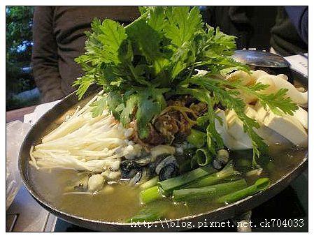 台中李家長壽韓國料理餐廳-招牌火鍋2.JPG