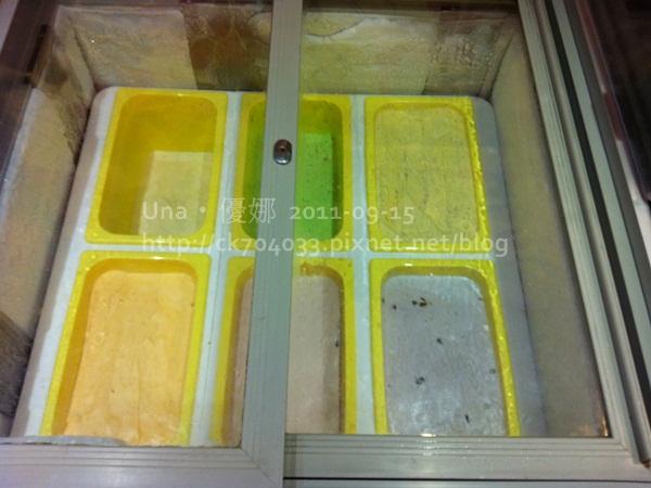 漢口街‧小蒙牛冰淇淋櫃2.JPG