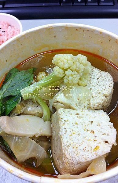 愛家國際餐飲(台北圓滿店)‧素食麻辣臭豆腐鍋
