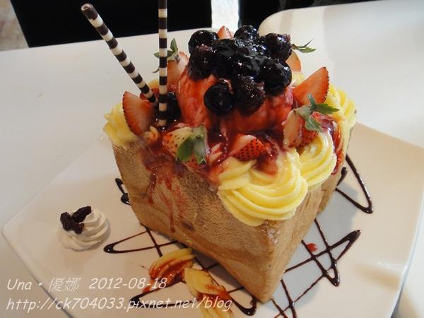 chin chin cafe-維多莉亞莓果蜜糖吐司-2
