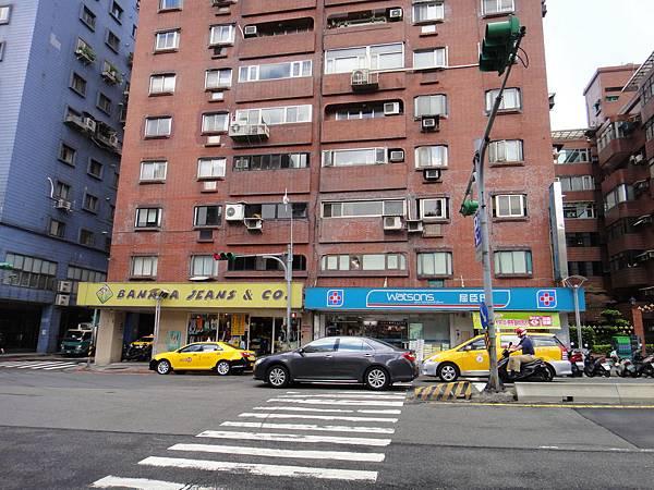 天母溢香園餐廳(台北富邦銀行&屈臣氏對面)