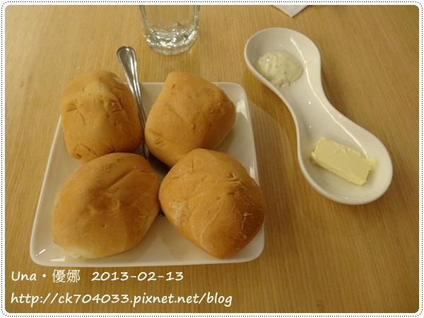 102.2.13 GoGo Pasta敦南店-餐前麵包
