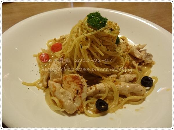 102.2.7 米塔義式廚房(凱撒店)MITA PASTA-嫩雞胸佐蒜味義大利麵