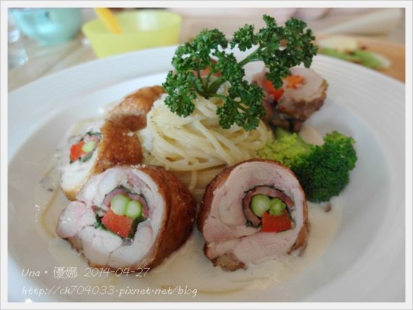 藤間創意料理餐廳-嫩烤培根時蔬雞腿捲義大利麵