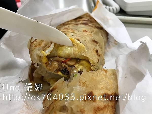 小旺號-小魚辣蛋捲餅003.JPG