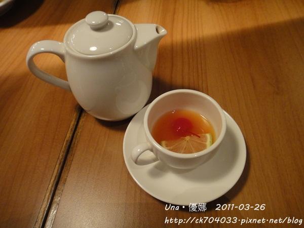 kiki cafe-熱水果茶.JPG
