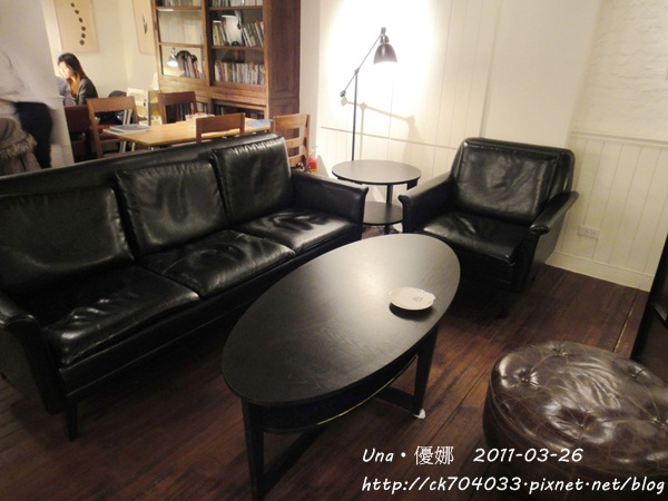 kiki cafe-8.JPG