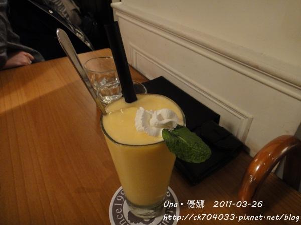 kiki cafe-水蜜桃優格可爾必思.JPG