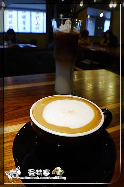 RÈVE Café 黑浮咖啡
