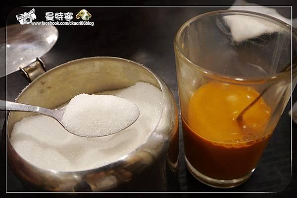 [澳門自由行吃喝]青洲灶記咖啡+海清純涼茶