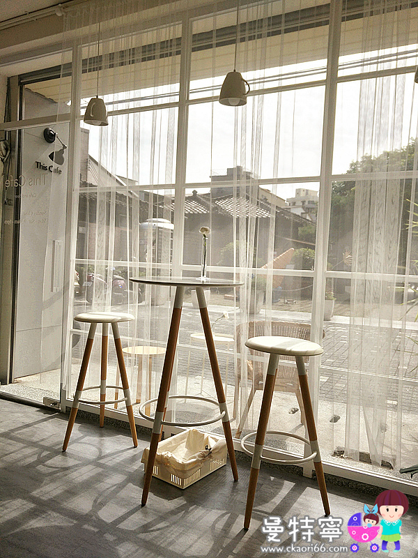 This Cafe純白簡約風咖啡廳