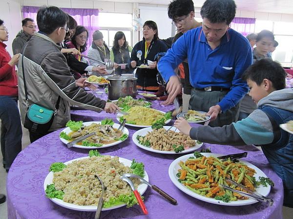 午餐─自助餐2.JPG