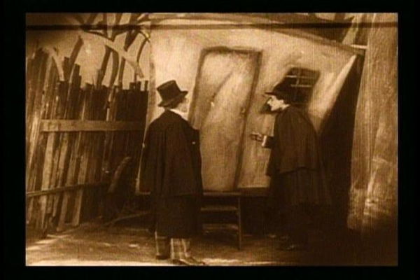 The Cabinet of Dr. Caligari-4