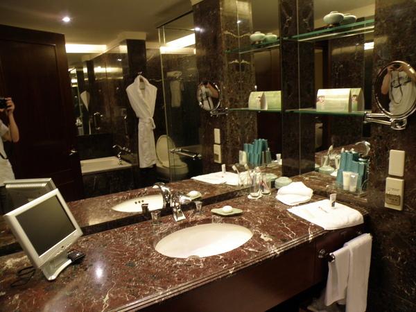 台北遠東國際大飯店(Shangri-la Far Eastern Plaza Hotel Taipei) 04