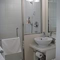 飯店廁所(馬桶還全自動)