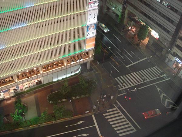 住12樓,往下看的景色