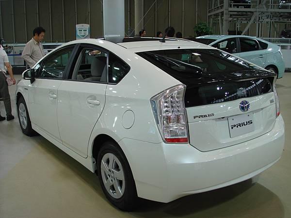 TOYOTA的PRIUS車款(日本超多)