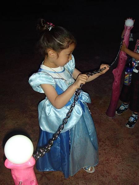 日本小妹妹穿公主服裝