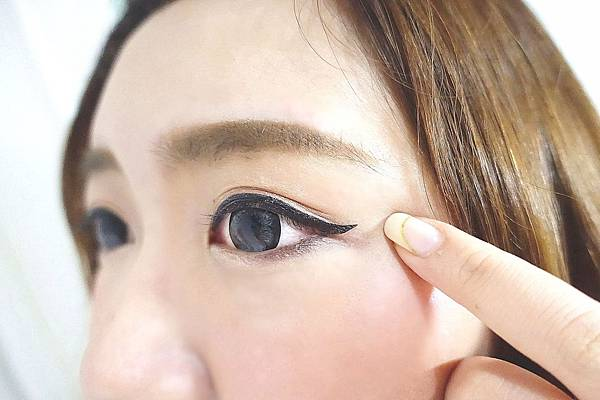 1028 終極抗暈人魚眼線液.雙效定型眉餅盒