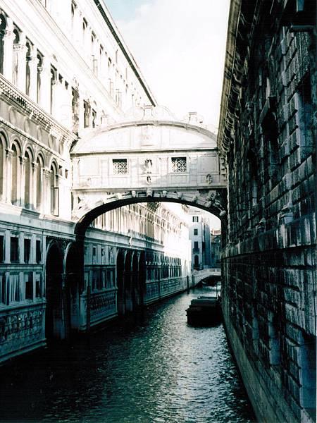 11. Venice 嘆息橋.jpg