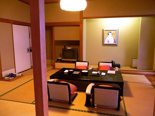 P1000305-琵琶湖旅亭紅葉溫泉旅館.jpg