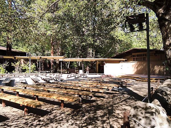 Yosemite Lodge at the Fall