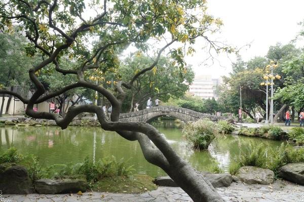 二二八和平紀念公園:[攝影小旅行]台北 城中區古城巡禮~發現!台北街頭也有懷舊異國風