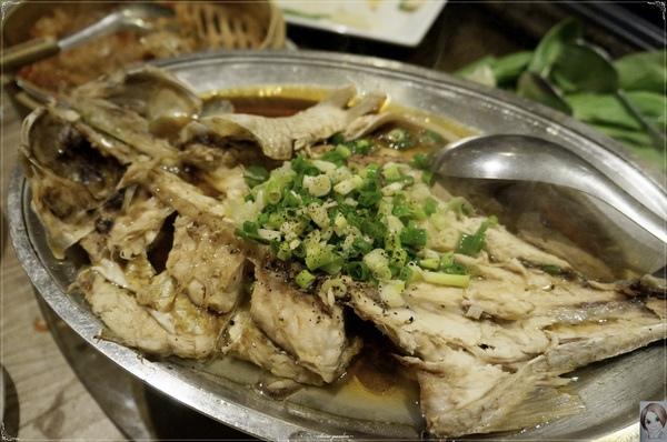 海霸王餐廳(中山店):台北海霸王餐廳(中山店)~讓人好滿足的超值蓋青操『懷念料理』