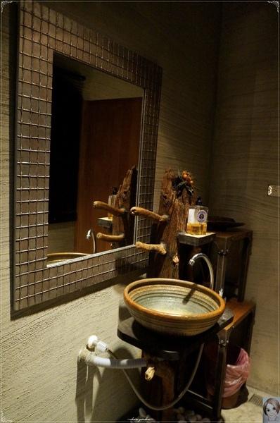 鐵窩 Tamariba:[試吃]台北 捷運國父紀念館站 鐵窩 Tamariba~木質‧飽足 ‧繽紛