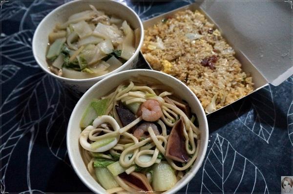 張媽媽小吃店:[庶民小吃]台北 捷運劍潭站 張媽媽美食~海鮮炒麵大勝香腸炒飯