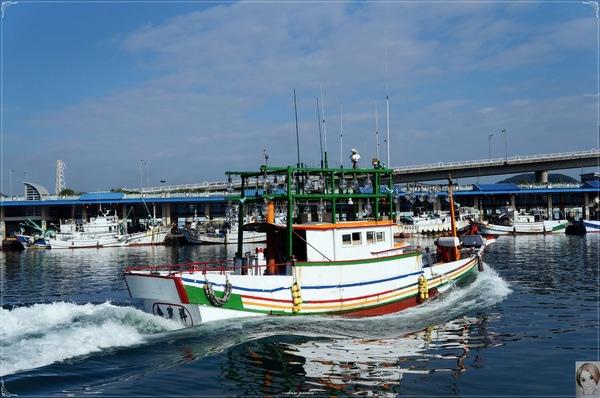 南方澳漁港:[攝影小旅行]宜蘭 南方澳漁港~漁港也有異國fu喔