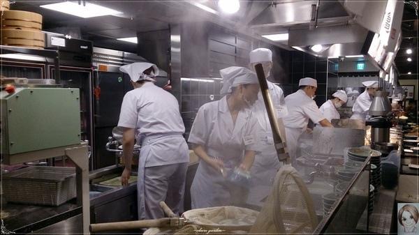 丸龜製麵(新光三越南西分店):台北 捷運中山站 丸龜製麵~buffe式平價烏龍麵店