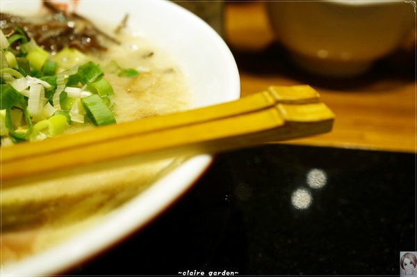 ラーメン凪 Ramen Nagi 豚骨拉麵(忠孝店):台北 捷運忠孝復興站 ラーメン凪(nagi)~好久不見的美味拉麵湯頭
