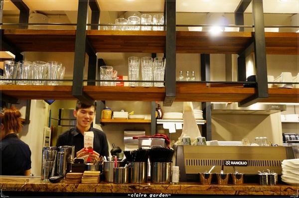 路燈咖啡 Light cafe:台北捷運公館站 路燈咖啡館~調色盤也上餐桌啦