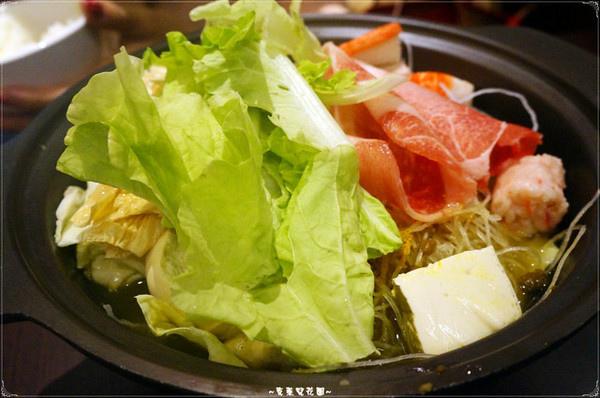 21金:台北天母 21金小火鍋~湯頭真的值得讚賞喔