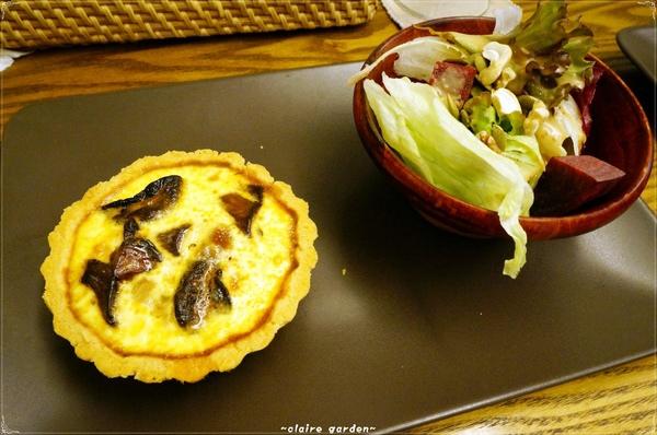 鵪鶉鹹派:[老房子咖啡館]台南 鵪鶉鹹派~純淨.藝術.特色