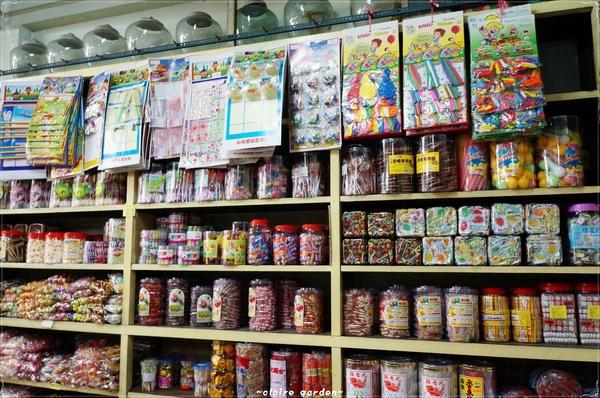 海安路藝術街:[漫步中西區]台南 海安路藝術街道~驚見兒時柑仔店
