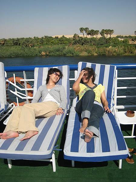 IMG_0793-遊艇中板上,悠閒的午後