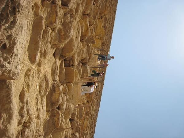 IMG_1302-0進去金字塔前先上爬65米