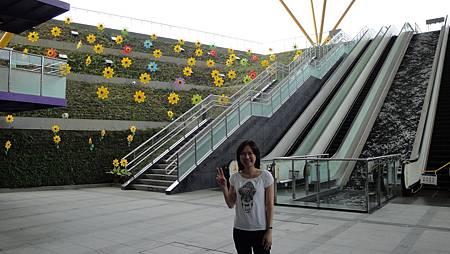 002.高雄捷運中央公園站.JPG
