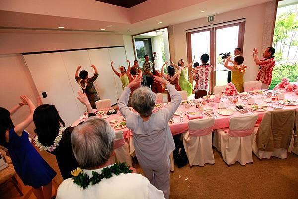 68.Hula dancing.jpg