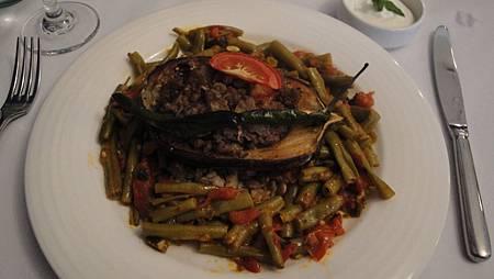 土耳其牛肉鑲茄子  搭配香料扁豆飯