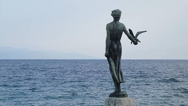 192.歐帕提亞-少女與海鷗