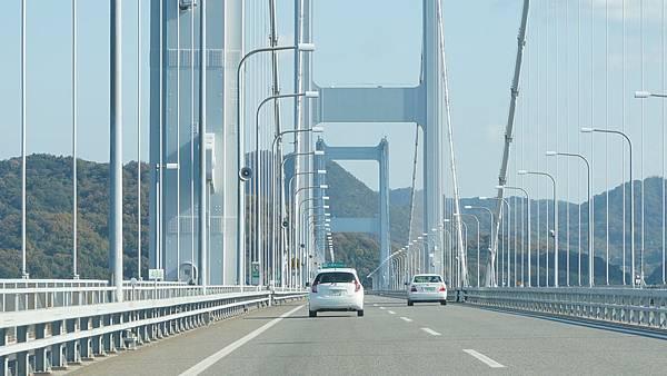 02.從車上拍出去的來島海峽大橋