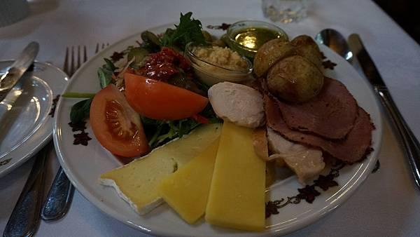 DSC07569.拉納克城堡午餐