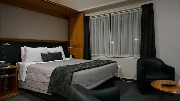 DSC07882.Ascot Park Hotel