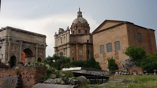 DSC01943.元老院 Curia & 凱旋門Arco di Settimio Severp