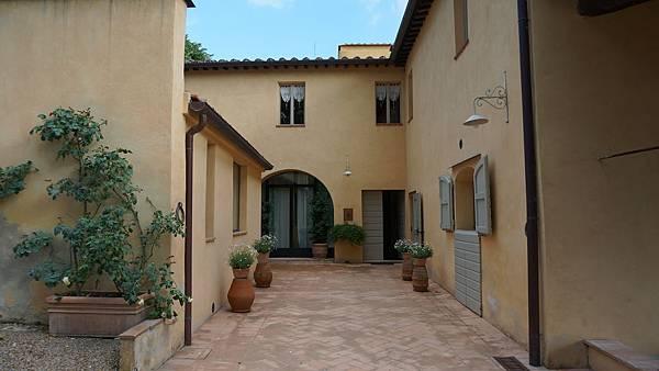 DSC02148.Hotel Podere La Strega