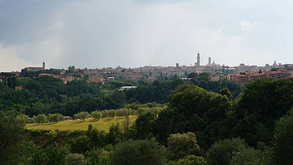 DSC02143.從旅館遠眺Siena