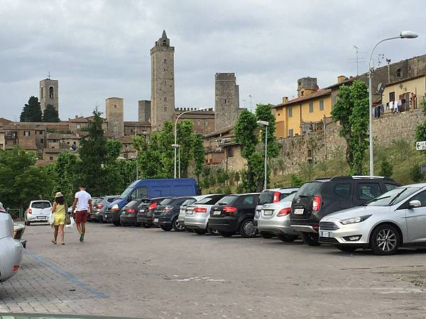 2015-06-12 19.09.17_San Gimignano